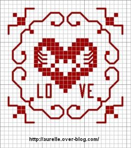 cuore stilizzato punto croce