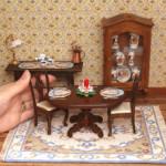 Ricami in Miniatura per Case da Bambola